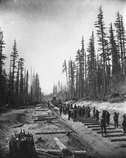 Canadian_Pacific_Railway_Crew_at_lower_Fraser_Valley_(1881)